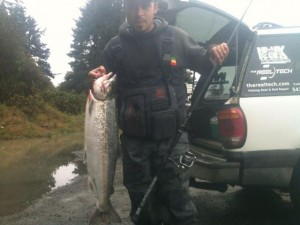 Reel-Tech-Custom-Salmon-Steelhead-Fishing-Spinning-Rod-NWKFishing-In Action